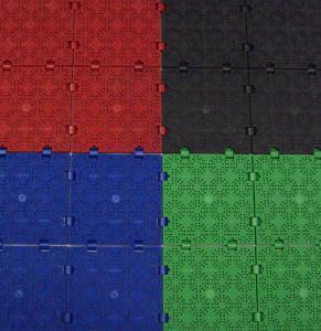 in den Farben rot, schwarz, blau und grün